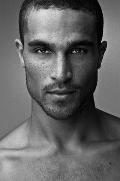 Victor Ross - Le #lentiggini? Sono Sexy ed Affascinanti, eccone la prova! #beautifulman #freckles