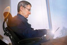 """Presidente da Apple assume homossexual """"ser gay é um dos maiores dons que Deus me deu""""   http://angorussia.com/tech/presidente-da-apple-assume-homossexual-ser-gay-e-um-dos-maiores-dons-que-deus-me-deu/"""