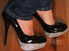 Today on Corinne's Craft Closet, I show you how to bling out a pair of old high heel shoes. No need to pay an arm and a leg for them at the shoe store! OMG SHOES!