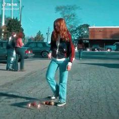 Stranger Things Premiere, Stranger Things Girl, Stranger Things Have Happened, Bobby Brown Stranger Things, Stranger Things Aesthetic, Eleven Stranger Things, Stranger Things Season, Stranger Things Netflix, Enola Holmes