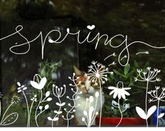 Afbeeldingsresultaat voor hallo winter raamtekening Summer Chalkboard Art, Chalkboard Decor, Window Wall Decor, Window Art, Cama Design, Spring Window Display, Chalkboard Doodles, Window Markers, Spring Drawing