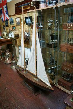 Grande maquette de voilier navigante ou de bassin fin 19ème