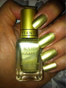 Barry M instant nail effects in 320 - Gold Foil (£3.99) - Flash  Top coat - Seche Vite    http://moonflowermakeup.blogspot.co.uk/2012/02/year-of-nail-polish-no-11.html
