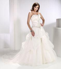 Fancy ball gown natural waist organza wedding dress