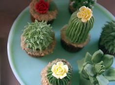 Apropos of I'm on a diet and am also a masochist, Brooklyn-based baker Alana Jones-Mann has a sweet DIY article on how to make cupcakes that look like common miniature cacti. It turns out all you need is mass quantities of tasty, tasty frosting (because why does anyone eat a cupcake