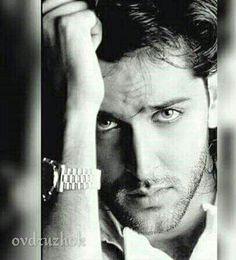 Hrithik Bollywood Stars, Latin Men, Vijay Actor, Star Wars, Most Handsome Men, Hrithik Roshan, Greek Gods, Celebs, Hot Men