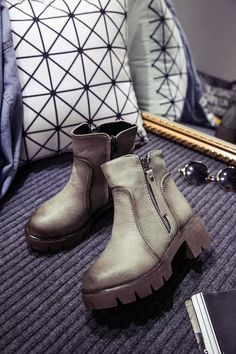 Women Pu Leather Boots Autumn-Spring Ankle Boots Low Solid Chain Zip-Open Martin Boots Botas Shoes Women Two Colors
