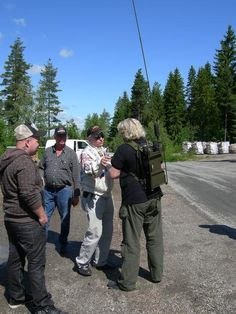 "From left  "" Samen "" pr.--LA6XEA and LA1FDM/LA1YKA and LB1QF so is talk with North Norway in Garder in Vestby"