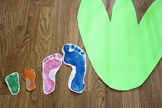 Lots of dinosaur theme ideas Trace each childs foot inside the dinosaur print to see how many of their feet fit into a dinosaurs footprint Dinosaurs Preschool, Dinosaur Activities, Dinosaur Crafts, Dinosaur Fossils, Preschool Classroom, Toddler Preschool, Activities For Kids, Crafts For Kids, Arts And Crafts