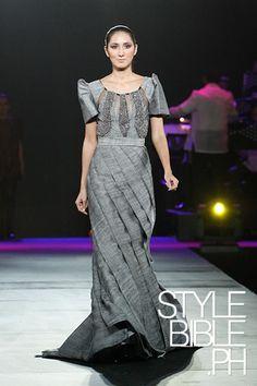 modern terno Philippine Fashion, Filipino Fashion, Philippine Women, Ethnic Fashion, Asian Fashion, Fashion Beauty, Modern Filipiniana Dress, Mix Match Outfits, Maria Clara