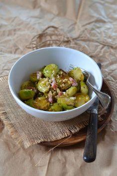 Je me doute qu'en publiant cette salade de choux de Bruxelles et lardons certains vont tordre du nez, mais vous avez bien tord car les choux de Bruxelles sont vraiment bons et pleins de vitamines ! Question digestion, il suffit juste de bien les préparer... Pickles, Sprouts, Potato Salad, Cucumber, Potatoes, Vegetables, Ethnic Recipes, Food, Instagram