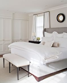 01_toronto_anne-hepfer-designs; upholstered bed with wood trim base