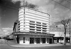 Odeon Cinema, London Road, Isleworth, London. Gorgeous Streamline Moderne style!