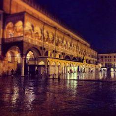 Piazza della Frutta, Padova. #Padua #Italy