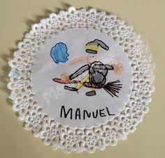 Mauriquices: Hihihihi... aí vou eu!!! Halloween, Decorative Plates, Home Decor, Paper Plates, Sketches, Room Decor, Halloween Stuff, Home Interior Design, Home Decoration