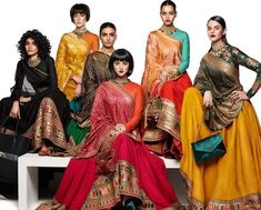 We've enlisted the most loved bridal lehenga designs of Sabyasachi Mukherjee's 2020 summer collection. Sabyasachi Collection, Saree Collection, Summer Collection, Jewelry Collection, Designer Collection, Indian Dresses, Indian Outfits, Banarsi Suit, Sabyasachi Bride