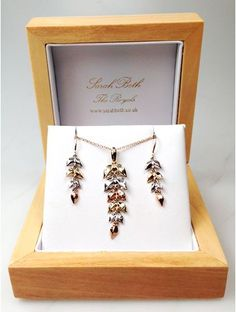 We only stock items of jewellery of great quality so that you can purchase little treats and gifts for others knowing that you are getting the most for your money. We are loving three-tone gold jewellery at the moment, especially our very own 9 carat yellow, white and rose gold leaf pendant and earring set. The light-weight feature pendant and earrings are a beautiful set ready to be worn in day and in night, even for special occasions.