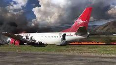 Un avión de Peruvian Airlines se incendió al aterrizar con 138 pasajeros   Un boeing 737 de la compañía Peruvian Airlines se incendió en la pista de aterrizaje del aeropuerto de Jauja, en el departamento de Junín.