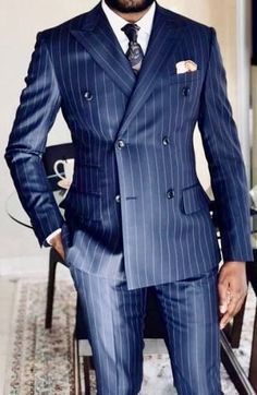 Double breasted done right! Double Breasted Pinstripe Suit, Blue Pinstripe Suit, Mens Boots Fashion, Mens Fashion Suits, Mens Suits, Der Gentleman, Gentleman Style, Gentlemen Wear, Mode Costume