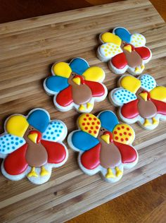 Thanksgiving sugar cookies by Heidissweetshoppe - don't care for the bright primary colors, but like the use of the flower cookie cutter to make turkeys. Turkey Cookies, Fall Cookies, Cut Out Cookies, Cute Cookies, Holiday Cookies, Cookies Kids, Cupcakes, Cupcake Cookies, Sugar Cookies