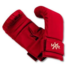 Spar or train with heavy bag without hand injuriesVinyl construction for durabilityThickly padded
