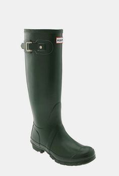 fac7d0536 10 Comfortable Pairs Of Women's Boots That Aren't Uggs Green Hunter Boots,  Hunter