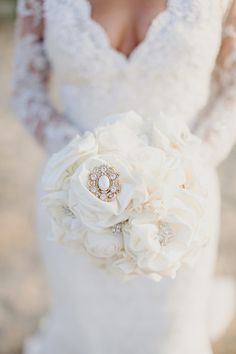 Stylish day after session in Crete   Daniela & Dimitris See more on Love4Wed http://www.love4wed.com/stylish-day-after-session-in-crete/ #brooch #bouquet