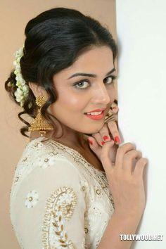 Wamiqa Gabbi New Photos Hot Actresses, Indian Actresses, Wamiqa Gabbi, Punjabi Dress, Cute Young Girl, Beautiful Gorgeous, India Beauty, Green Eyes, Celebrity Crush