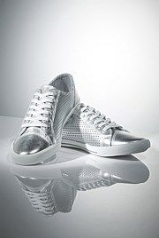 Witchery OCRF Trainers - of the gross proceeds from the sale of the Silver Gift Range goes directly to the Ovarian Cancer Research Foundation. Silver Gifts, Shoe Boots, Shoes, Street Chic, Trainers, Style Me, Adidas Sneakers, Christmas, Accessories