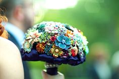 This is what I want my wedding bouquet to look like. What's My Favorite Color, Favorite Things, Wedding Brooch Bouquets, Flower Bouquets, Flower Crowns, Old Jewelry, Vintage Jewelry, Jewelry Making, Bridal Flowers