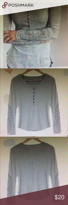 💕 NWOT New crochet top💕 💕 New cute top, size M, never worn💕 Tops Tees - Long Sleeve