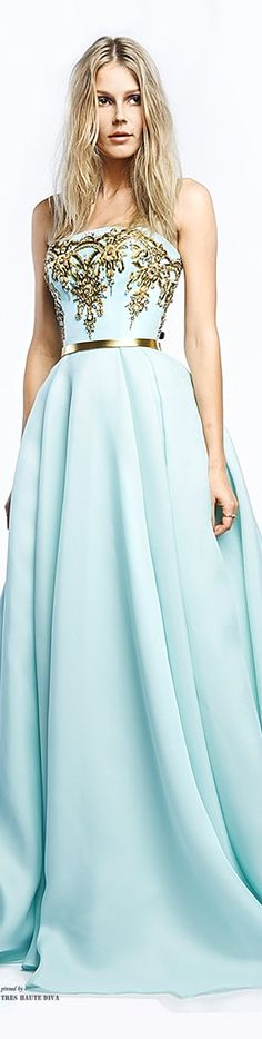 Azul celeste + bordado dourado + cinto dourado ~Reem Acra's Baroque Inspired Gown ~Resort 2015 | The House of Beccaria