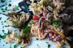 Amazing octopus dish! Octopus, Pasta Salad, Olive Oil, Spices, Yummy Food, Lunch, Healthy Recipes, Dishes, Amazing