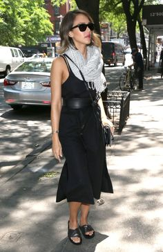 jessica-alba-out-in-nyc