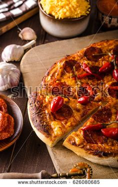 Pizza salami pepper, delish pizza, original italian thin pizza, food styled