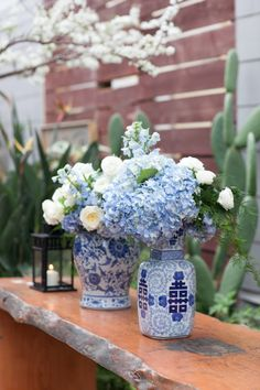 Blue and White Ginger Jars Reception Decor | photography by http://www.juliemikos.com