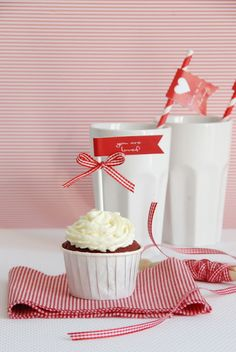 Red Velvet Cucakes   + Valentine FREEBIE zum Downloaden