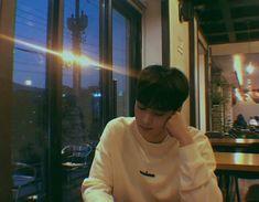 He is Eunwoo from astro. We are Aloha ( my English skills are bad 😂) Lee Jong Suk, Daehyun, Kdrama, Astro Sanha, Day6 Sungjin, Kim Myungsoo, Cha Eunwoo Astro, Astro Wallpaper, Wallpaper Dekstop