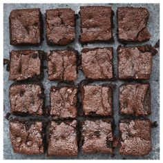 The Perfect Gluten Free & Paleo Brownies -- Fudgy, rich and delicious all without gluten, grains, or dairy! // almond flour brownies recipe // paleo brownies // gluten free brownies // the best gluten free brownie recipe // dairy free brownies // Paleo Brownies, Best Gluten Free Brownies Recipe, Brownie Sem Gluten, Almond Flour Brownies, Dairy Free Brownies, Dairy Free Recipes, Vegan Brownie, Almond Flour Chocolate Cake, Avocado Brownies