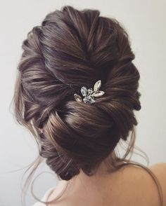 Check Out Our , Elegant Bridal Updo with Accessories Hair, Wedding Ideas & Inspiration Hairstyles, Weddinghairaccessories Wedding Hair Accessories In Messy Bridal Hair, Bridal Updo, Wedding Hair And Makeup, Wedding Updo, Hair Makeup, Messy Updo, Romantic Wedding Hair, Messy Buns, Wedding Bride