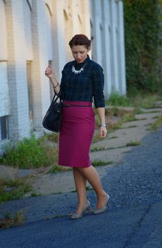Happy Medley: J.Crew pencil skirt, plaid shirt and crystal necklace, fall style fashion, fashion blogger