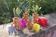 You will love this Troll Doll Planter DIY and they are easy to make and they look great. We have lots of super cute ideas and a video tutorial too. Outdoor Planters, Diy Planters, Garden Planters, Succulent Planters, Planter Ideas, Succulent Ideas, Outdoor Decor, Bubble Painting, Mosaic Wall Art