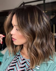 [New] The 10 Best Hairstyles Today (with Pictures) Spring Hairstyles, Pretty Hairstyles, Hairstyle Ideas, Truss Hair, Hair Color Highlights, Cool Hair Color, Brown Hair Colors, Brunette Hair, Balayage Hair