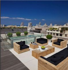 Is your rooftop nothing more than a combination of steel, brick and concrete? Decorate your rooftop Space in five easy steps.Check out!