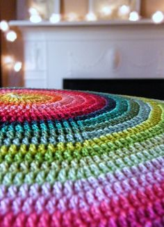 crochet floor cushion - would go so well in the kids room, but far too nice for their grubby feet!