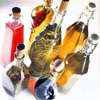 Aceites aromatizados. Pimentón, hierbas, albahaca y perejil