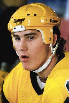 Pittsburgh Sports, Pittsburgh Penguins Hockey, Mike Bossy, Ice Hockey Teams, Pens Hockey, Mario Lemieux, Nhl News, Nhl Games, Vancouver Canucks