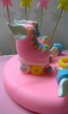 Cupcakes, Cupcake Cakes, Roller Skate Cake, Son Luna, Pasta Flexible, Cake Toppers, Icing, Biscuits, Polymer Clay