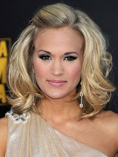 current hairstyles carrie underwood hairdo