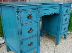 cool old desk repainted in blue =)